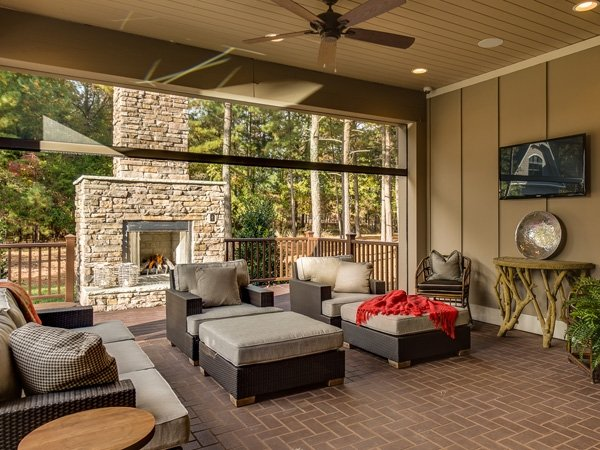 The Churchill Covered Outdoor Living